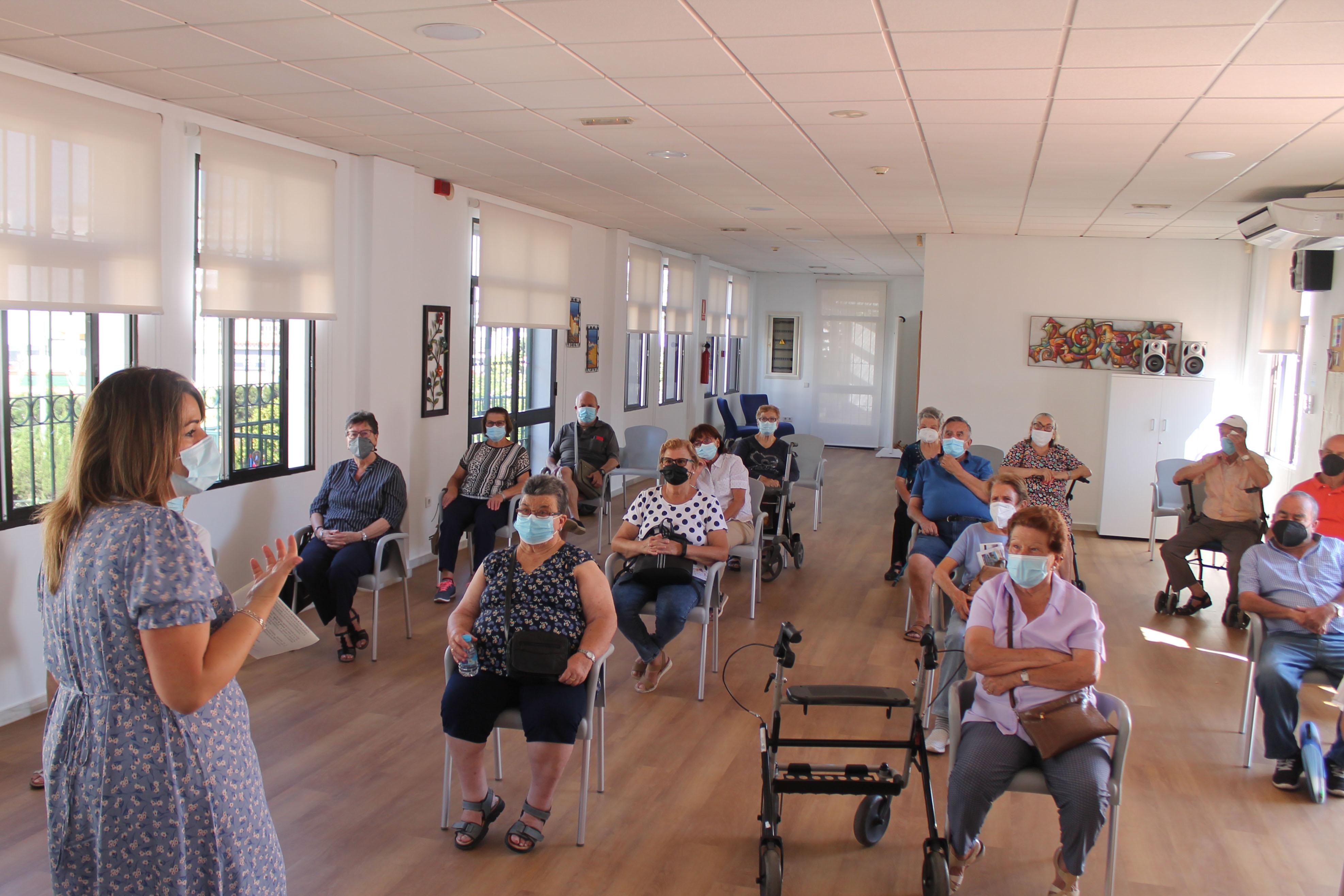 Los hogares del jubilado recuperan su actividad con los nuevos talleres para mayores