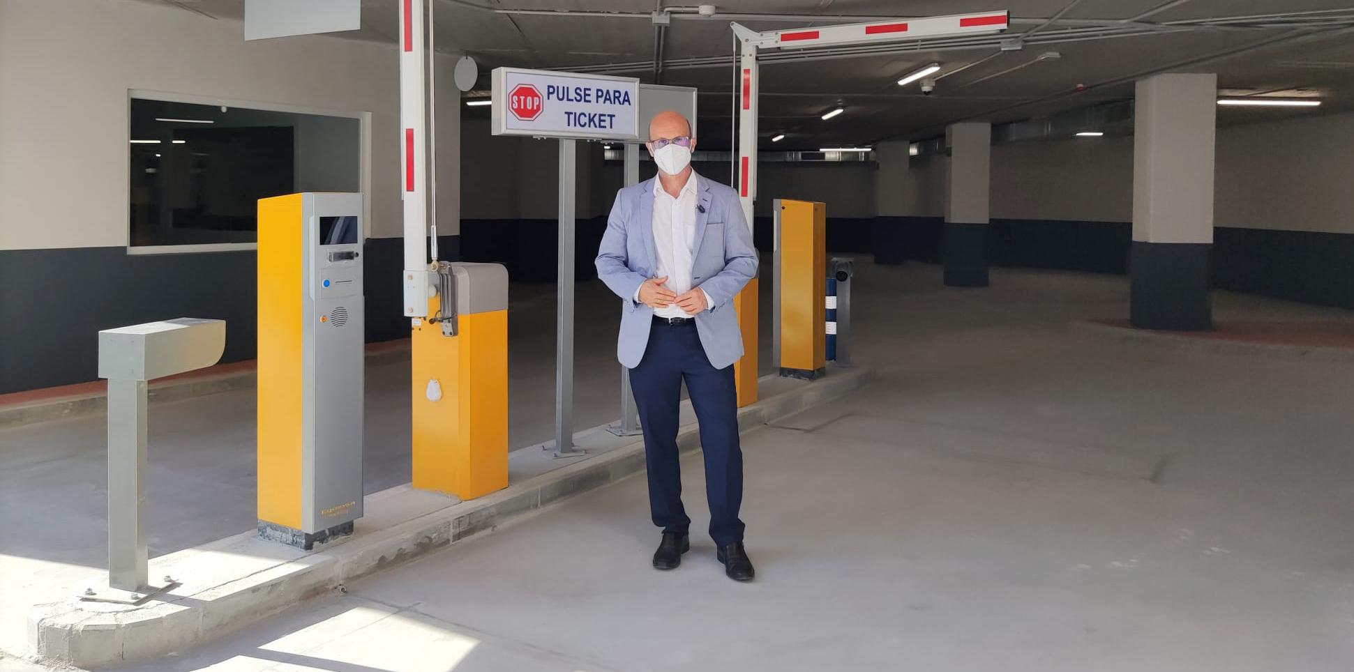 El parking de El Juncal ultima su puesta a punto