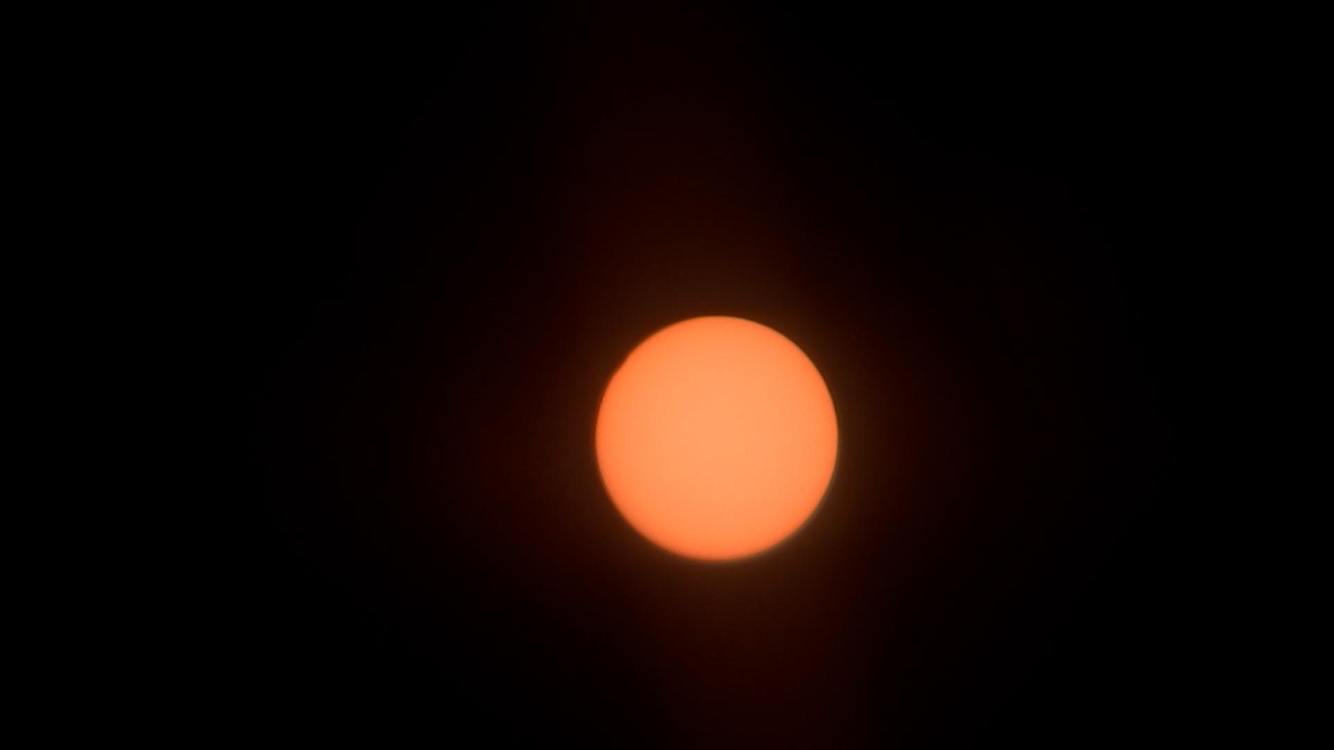 Así se ha visto el eclipse solar parcial desde Mijas