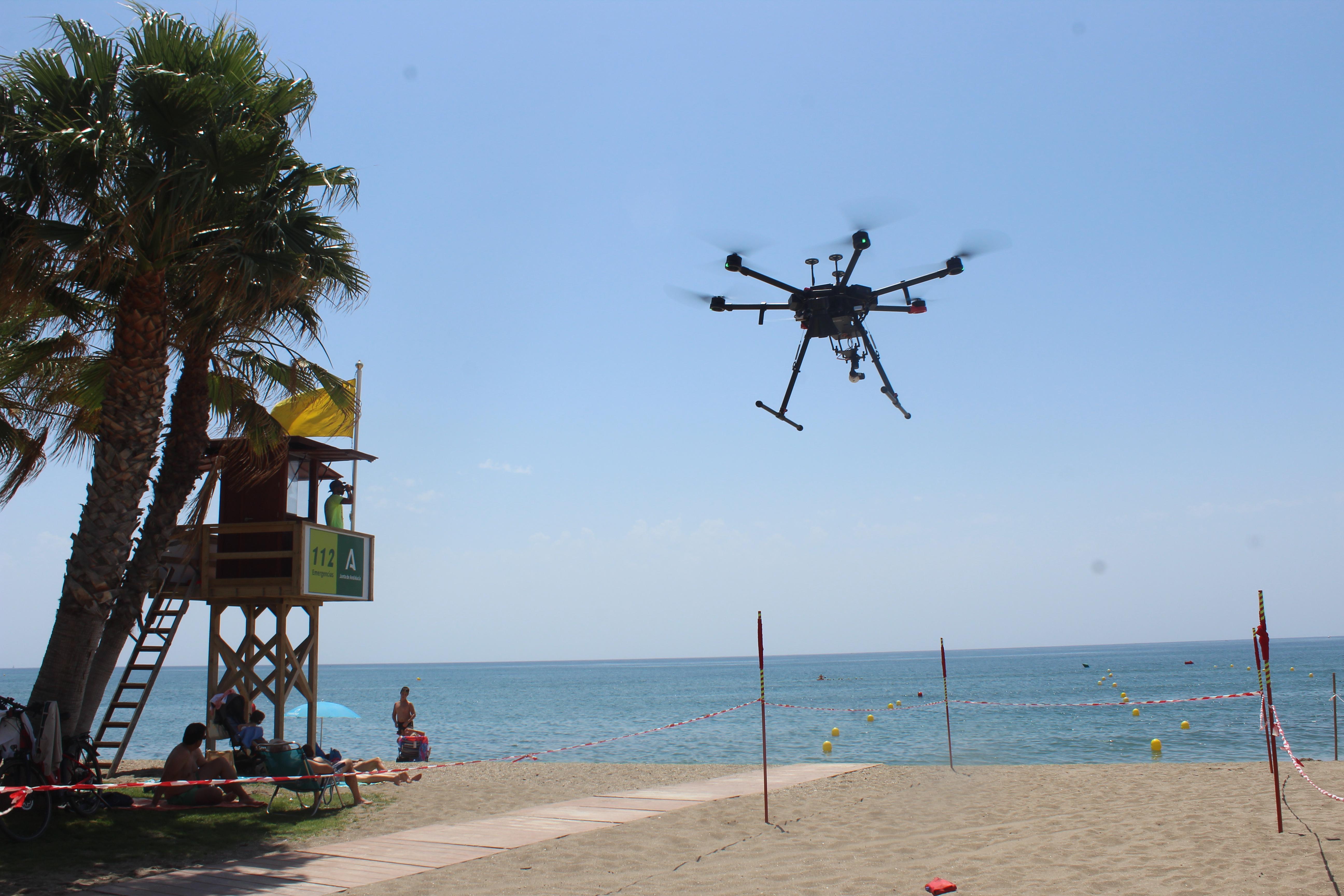 Un dron de altas prestaciones para vigilar las playas de Mijas