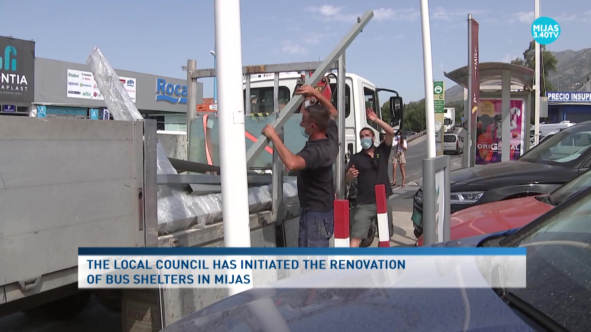 Mijas begins the renovation of the bus shelters