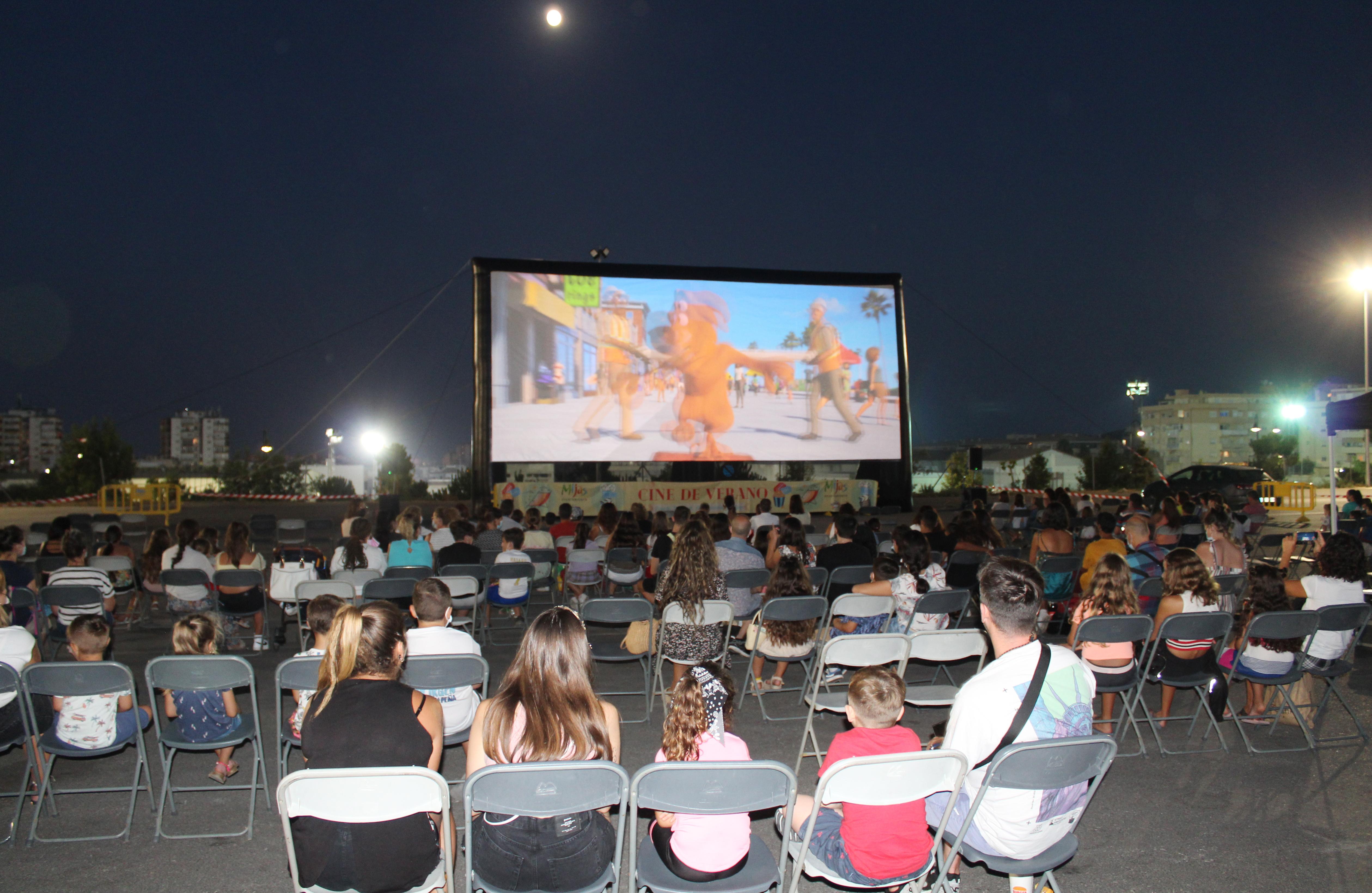 El famoso perro Scooby Doo se cuela en la gran pantalla del recinto ferial de Las Lagunas