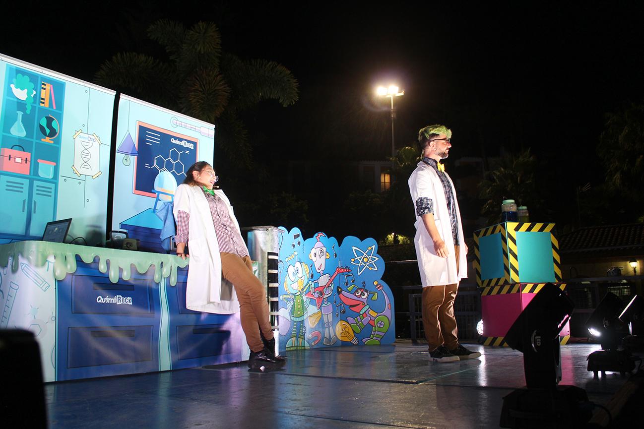 Teatro, ciencia y animación se dieron cita en el parque Andalucía de la mano de Quimirock