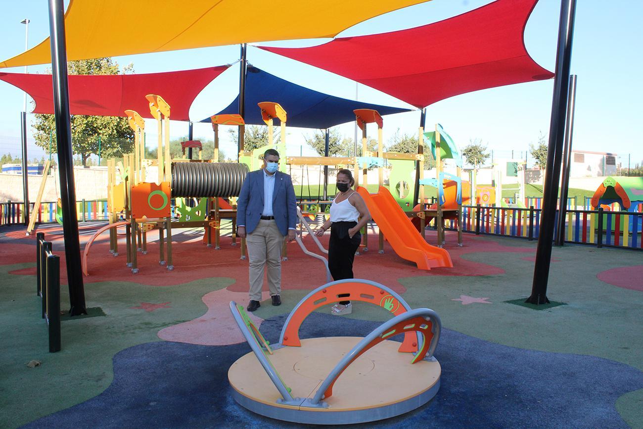 El parque infantil del Hipódromo cuenta con una nueva zona de sombra