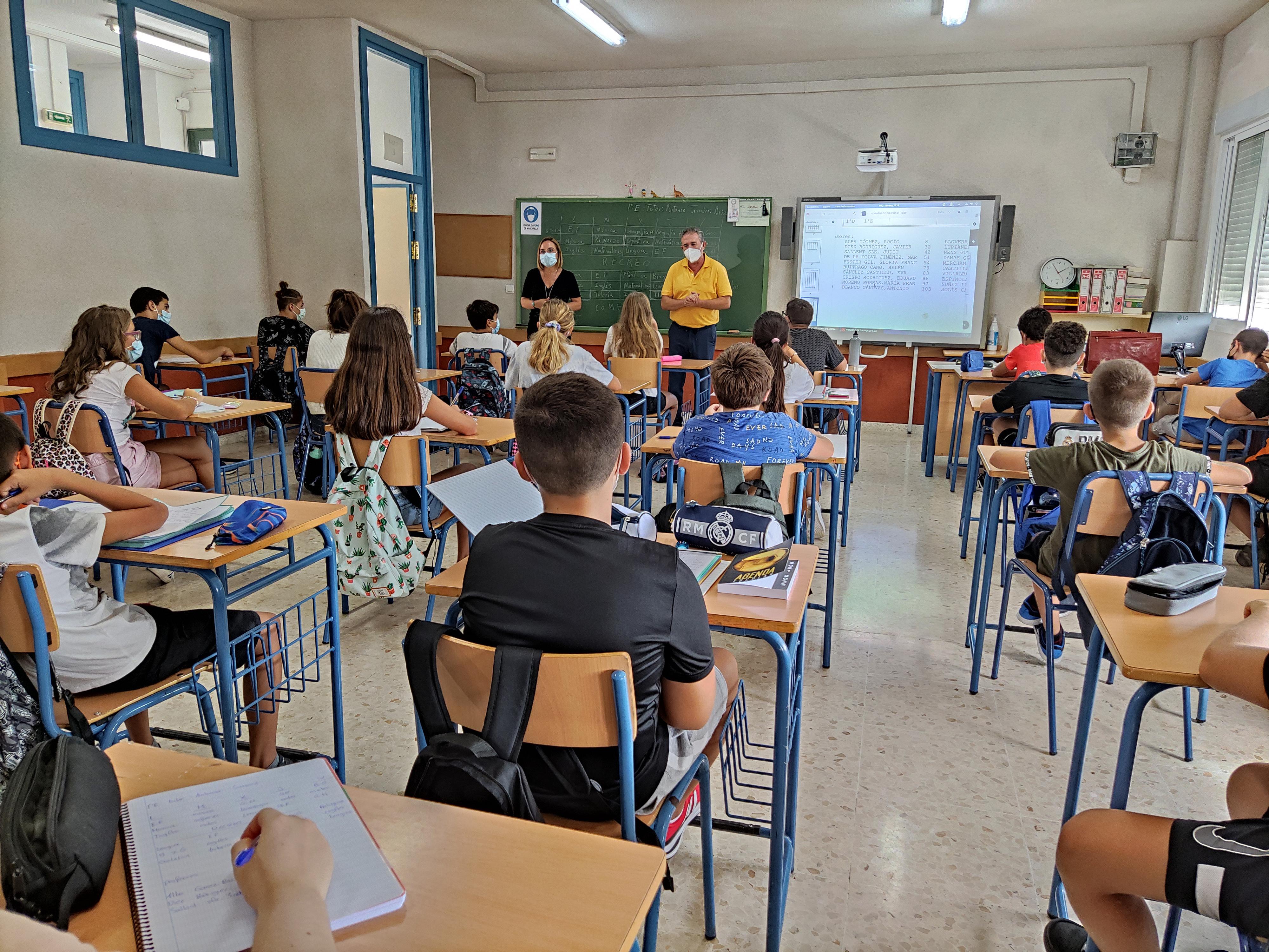 Cerca de 6.000 alumnos de secundaria empiezan el curso en Mijas