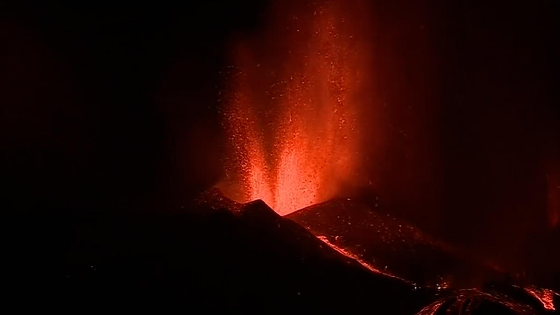 Olivia Lozano, experta en vulcanología, nos habla de la erupción del volcán de La Palma