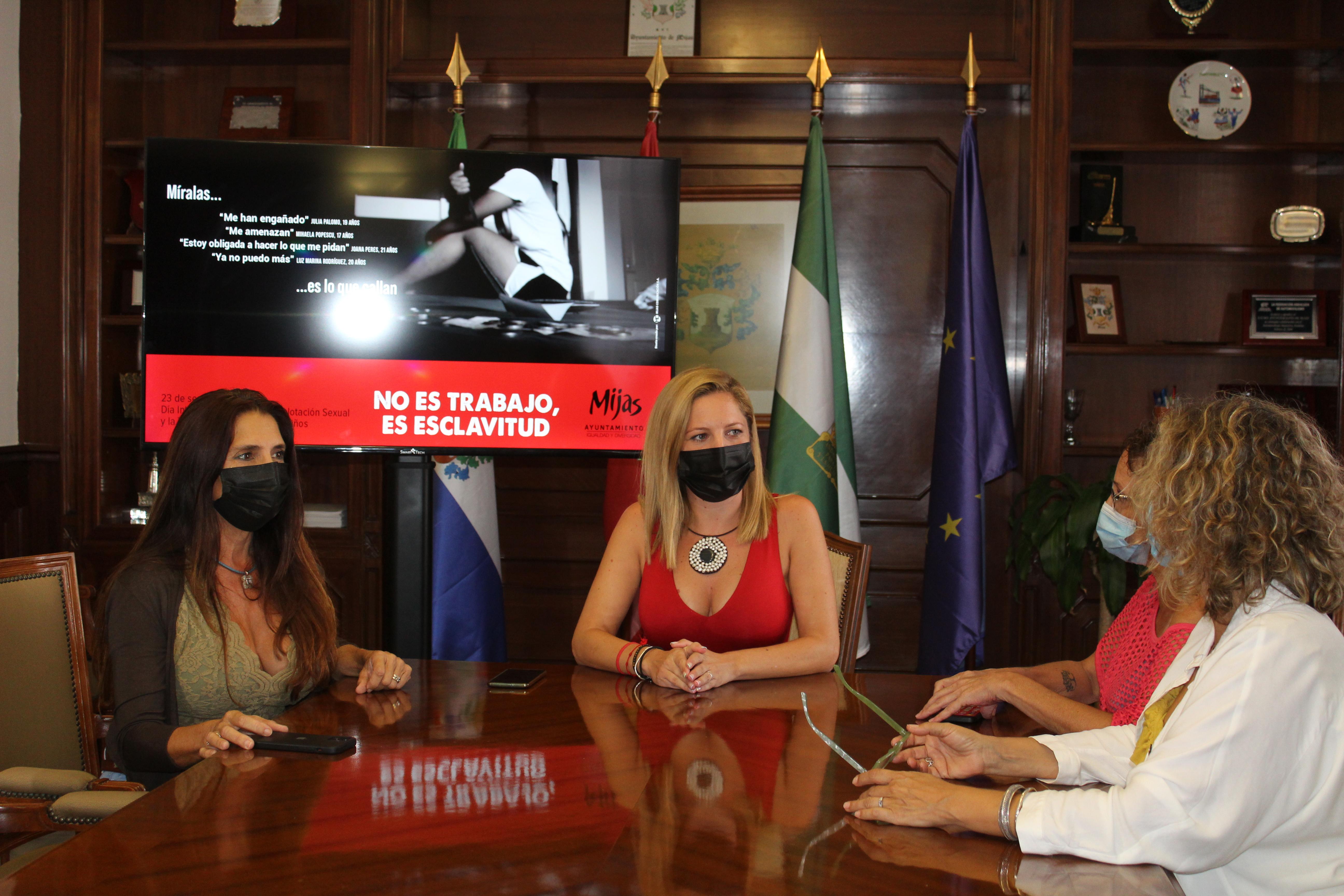Mijas se une al Día contra la Explotación Sexual y el Tráfico de Mujeres, Niñas y Niños