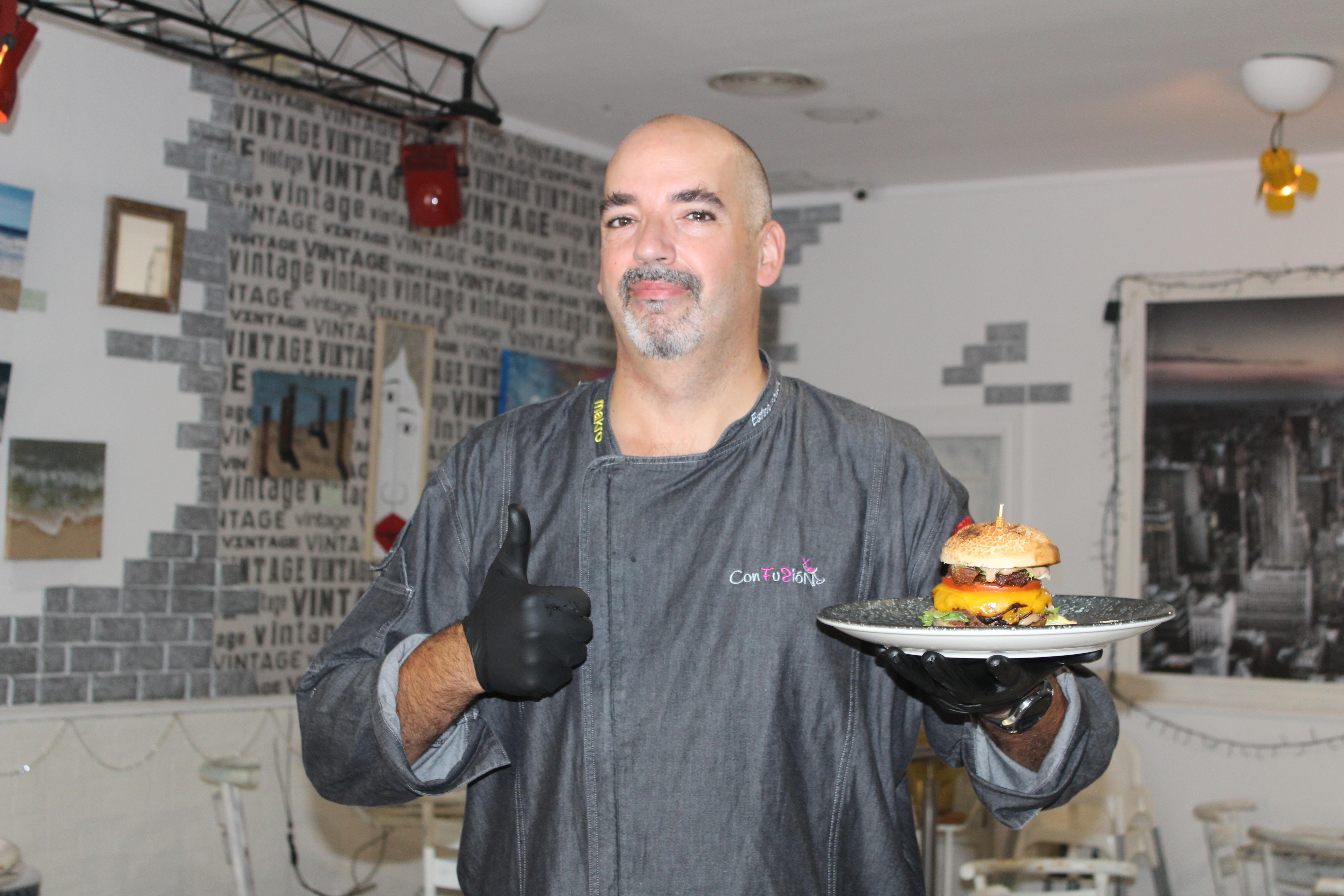 La hamburguesa gourmet de Esteban Sedeño lucha por ser la mejor de España
