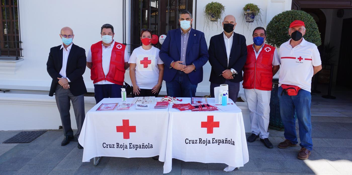 Cruz Roja Mijas celebra su tradicional Día de la Banderita