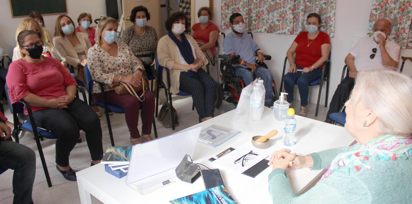 Apaffer acoge la presentación del libro 'FibroVitalidad', de Pilar Valladolid